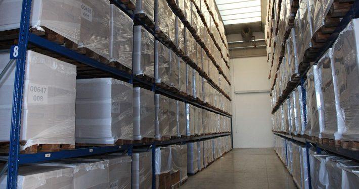 Scaffali in deposito nella sede di SGA Srl